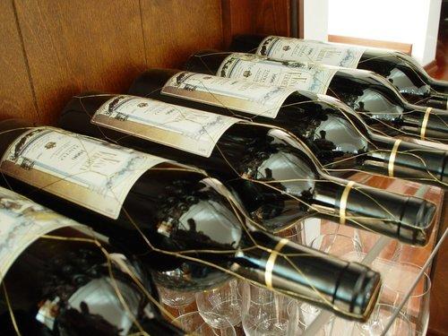 Kombinera vin och bakelser